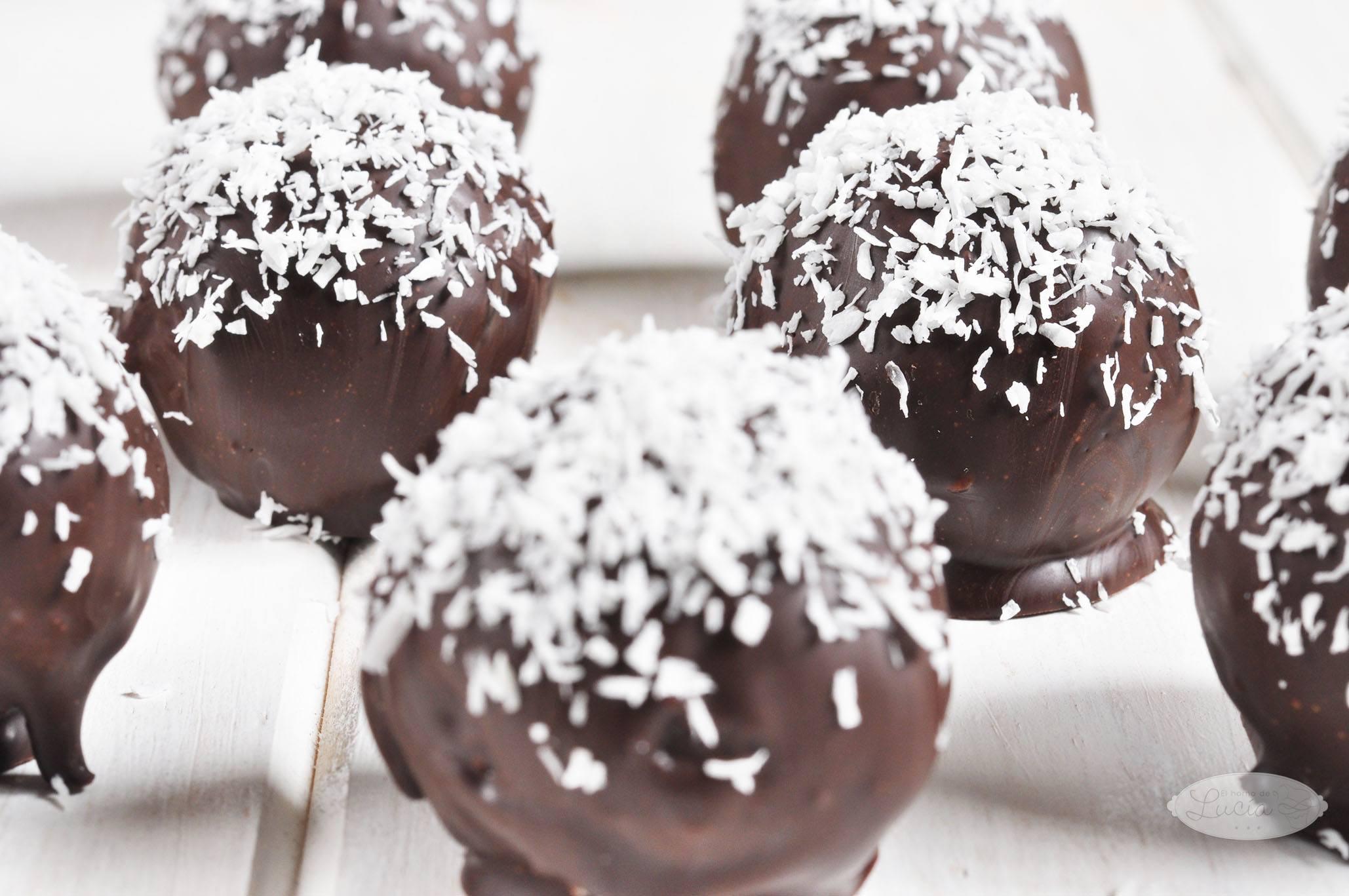 bolitas-de-coco-y-chocolate